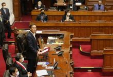 Photo of Congreso peruano debate acaloradamente si destituye a Vizcarra