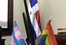 Photo of Funcionaria exhibe bandera LGBT en su despacho de Palacio y brotan las reacciones