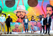 Photo of Alcaldía Santiago plasma mural en honor a los merengueros Manny Cruz y Gabriel