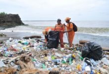 Photo of Basura vuelve a arropar costas del Malecón
