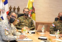 Photo of Ministro de Defensa se reúne con el jefe Comando Sur de EEUU