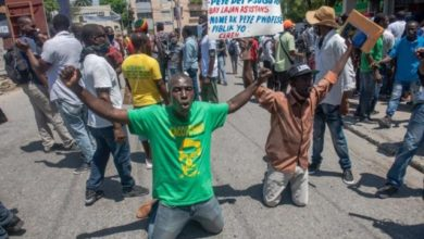 Photo of Haitianos salen a manifestarse contra inseguridad
