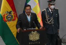 Photo of Presidente boliviano destituye a ministro que contrató a su exnovi