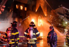 Photo of Un grave incendio daña una iglesia centenaria de Nueva York
