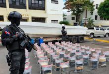 Photo of Apresan dos dominicanos con 456 paquetes de presunta cocaína