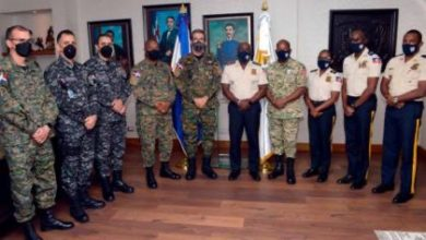 Photo of Ministro de Defensa y director de la PN se reúnen con altos mandos de la policía haitiana